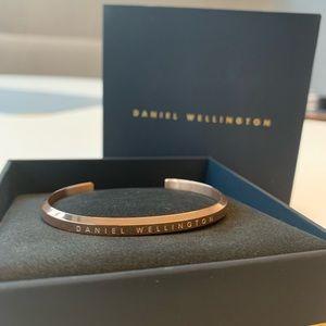Daniel Wellington ,Gold a Classic Cuff small, new